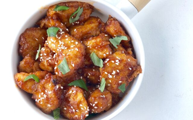 Kyllingestykker med saftig sur/sød marinade