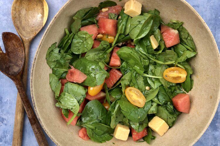 Vandmelonsalat m spinat og cheddar