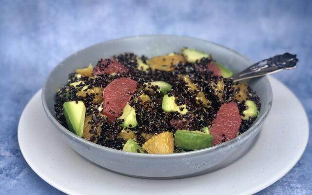 Quinoasalat med citrusfrugter og avokado